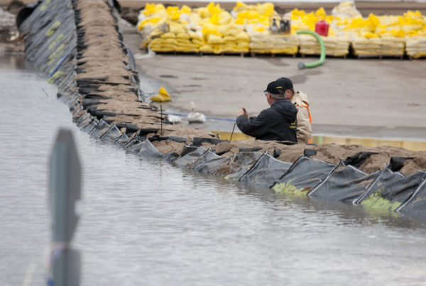 TrapBags as Flood Protection barrier in Fargo, North Dakota