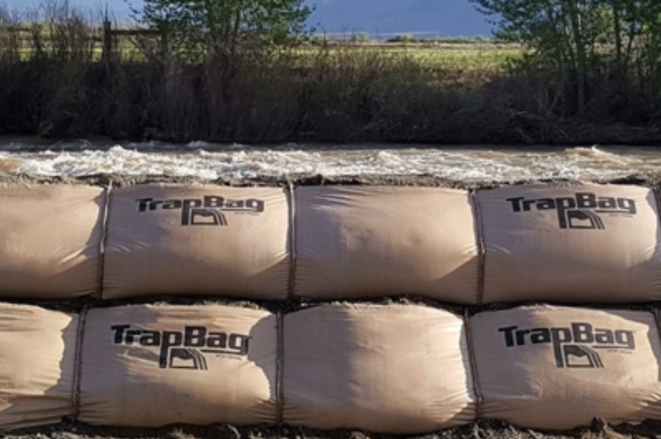 TrapBags used as a temporary dike