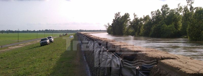 TrapBags as a levee in Baton Rouge, Louisiana