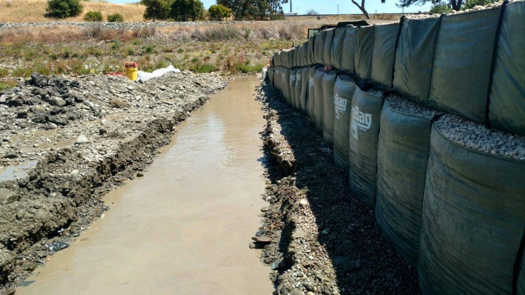 TrapBag flood barrier